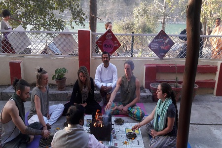 kundalini-yoga-retreat-in-rishikesh