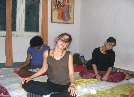 kundalini yoga retreat courses in rishikesh india